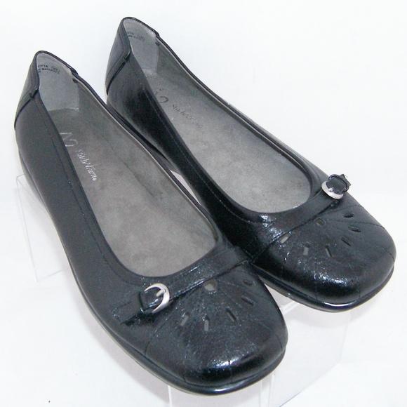 825e1c278 AEROSOLES Shoes | A2 By Ricotta Black Perforated Flats 10m | Poshmark